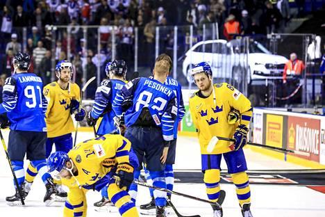 Suomi–Ruotsi 5–4 ja. Leijonat lähetti Ruotsin NHL-tähdet kotimatkalle puolivälierän jälkeen. William Nylander (oik.) vakuutti ennen peliä, että Ruotsi voittaa, mutta eihän siinä niin käynyt. Sakari Manninen ratkaisi Suomen voiton jatkoajalla.