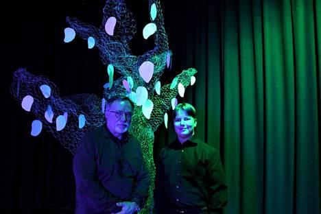 """Opistoteatterin Erkki von Bell ja Musiikkiopiston Leo Matila ovat mukana """"Veden kosketus""""-produktiossa."""