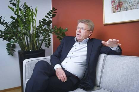 EK:n toimitusjohtaja Jyri Häkämies on tukipakettiin tyytyväinen, muutamaa yksityiskohtaa lukuun ottamatta.