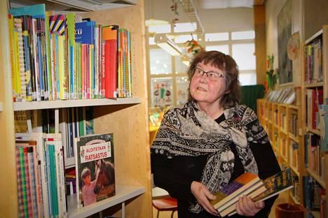 Marja Hannukainen oli toinen Vuoden lainaaja -tunnuksella palkituista Harjavallan kirjaston Lainan päivän tapahtumassa.