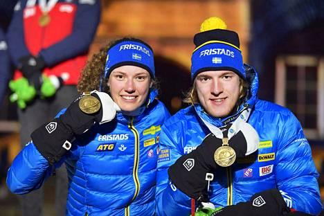Hanna Öberg (vas.) ja Sebastian Samuelsson ovat Ruotsin ampumahiihdon tähdet.