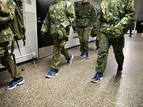 Uudet alokkaat marssivat kasarmeille tammikuun alussa. Puolustusvoimat on varautunut huolella koronavirustilanteeseen. Porin prikaatissa tilanne on ollut hyvin hallinnassa.