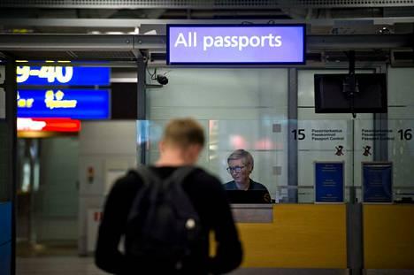 Passi ei ole välttämätön monesta Euroopan maista Suomeen matkustettaessa tai Suomesta niihin mennessä, vaan reissussa pätee myös voimassa oleva henkilökortti.