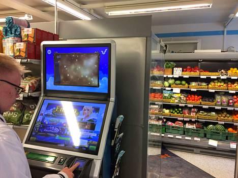 Linnavuoren ruokakaupassa on yksi rahapeliautomaatti.