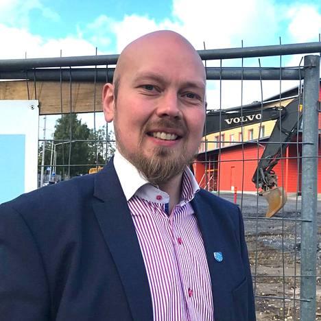 Virtain kaupunginjohtaja Juha Viitasaari siirtyy maaliskuun alussa Kuusiolinna Terveys Oy:n toimitusjohtajaksi.