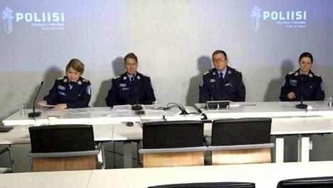 Poliisin tiedotustilaisuus on parhaillaan käynnissä.