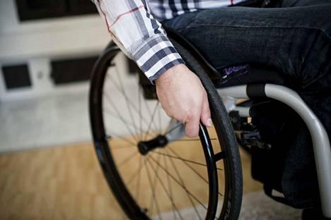Kirjoittaja ihmettelee, miksi Porin kaupunki ei ole ottanut vammaisneuvostoa mukaan päätöksentekoon.