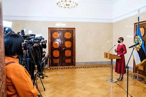Viron presidentti Kersti Kaljulaid piti 13. tammikuuta 2021 tiedotustilaisuuden ja nimesi reformipuolueen Kaja Kallaksen pääministeriehdokkaaksi Jüri Rataksen erottua korruptioväitteiden vuoksi.
