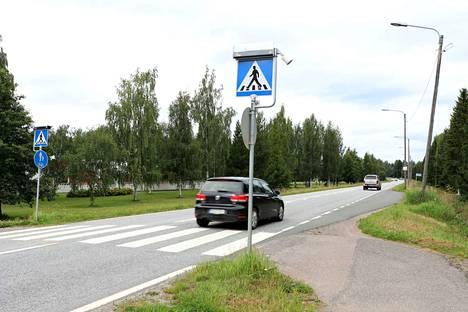 Kävelijöiden ja pyöräilijöiden turvallisuus paranee ensi vuonna huomattavasti, kun Kauvatsantien uusi kevyen liikenteen väylä valmistuu.