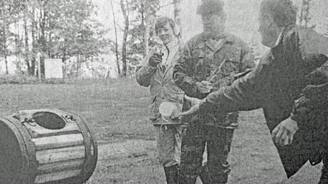 KMV-lehti kirjoitti 18. kesäkuuta 1991, että pesupallon ensimmäisessä MM-kipailussa tehtiin viisi maailmanennätystä Hallin kylätoimikunnan järjestämillä Hallin Päivillä.