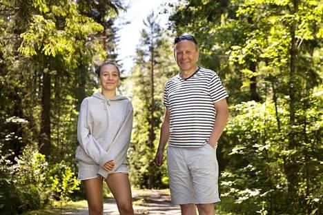 Ylöjärvellä sijaitsevaa Aimontietä ei näy kaikissa kartoissa. Eero ja Sara Virroksella on kesämökki Aimontiellä.