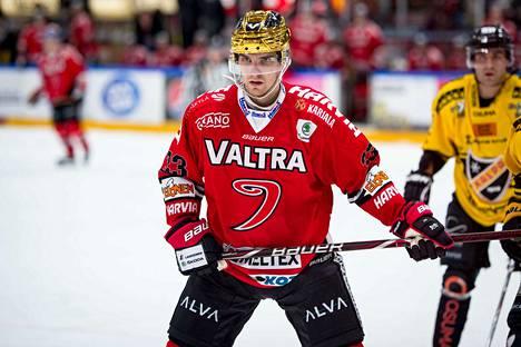 SM-liigan piste- ja maalipörssin kärkinimi Julius Nättinen debytoi A-maajoukkueessa.