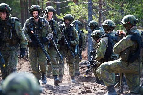 Harva varusmies pohtii sotaharjoituksessa, miltä vihollisen surmaaminen tuntuisi. Tätä pohditaan jatkossa osana koulutusta.