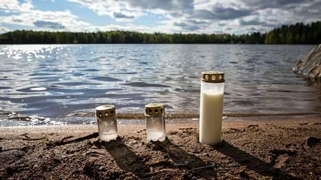 Poliisi epäilee äidin murhanneen pienen lapsensa Tampereen Särkijärvellä. Paikalle oli tuotu kynttilöitä 24. toukokuuta.