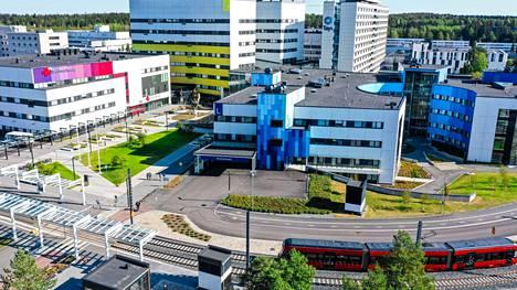 Todettujen tartuntojen määristä Pirkanmaan sairaanhoitopiirissä kertoo Tampereen yliopistollinen sairaala (Tays).