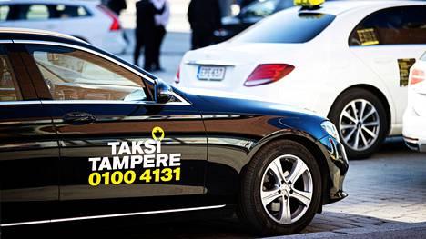 Tampereen aluetaksin takseja kuvattiin Tampereella 16. huhtikuuta.