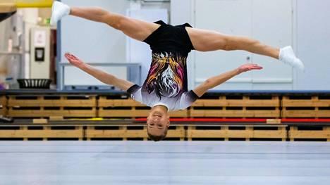 Sampo Nousiainen nähdään ensimmäisenä suomalaisena junioripoikana kilpa-aerobicin EM-kisoissa.