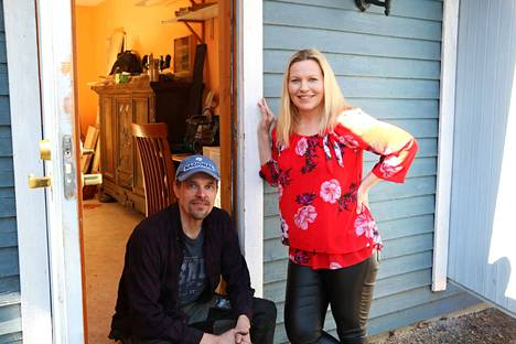 Marko ja Sanna Virtanen muuttivat Rehakkaan viisi vuotta sitten. Oman yrityksen, Puista Oy:n, he perustivat tämän vuoden tammikuussa.
