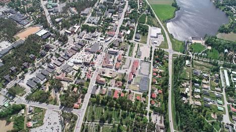 Kirjoittajan mielestä Kankaanpää pysyy elinvoimaisena, kun kaikkia ikäluokkia palvelevat peruspalvelut ovat kunnossa ja lähellä.