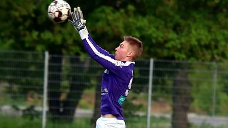 Maalivahti Rasmus Tervola piti maalinsa puhtaana Pyryn voitokkaassa Nelosen ottelussa.