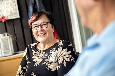 Maritta Uusitalo ei kaipaa isoa omakotitaloa, joka tuntui työläältä ja liian isolta pariskunnalle.