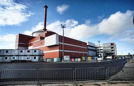 Olkiluoto 3:sta pitäisi tulla ydinlaitos maaliskuussa, jolloin laitokseen on tarkoitus ladata ydinpolttoaine. Säännöllisen sähköntuotannon on ilmoitettu alkavan ensi talvena.