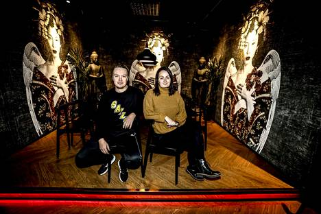 Masu Asian Bistro muutti syksyllä Kirkkokadulle. Ravintolapäällikkö Erika Simpanen kuvattiin Mikko Nilosaaren kanssa uusissa tiloissa tiistaina.