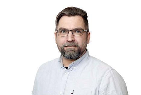 """– Ihmettelin Kustaa Vilkunan tietoa länsimurteiden sanan """"karata"""" merkitystä """"hyppäämisenä"""". Ainakin Kokemäellä on litteroitu sanan tarkoittavan """"juoksemista"""", vaikkapa """"lapset karas kontit kiarus"""", kuten appiukkoni aina hihittelee täkäläistä sanan partta, toimittaja Seppo Kummala kertoo."""