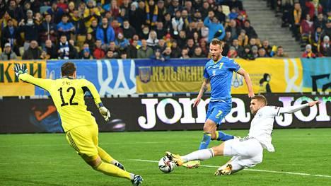 Andri Jarmolenko vei Ukrainan johtoon, mutta lopulta joukkue jäi jälleen tasapeliin.