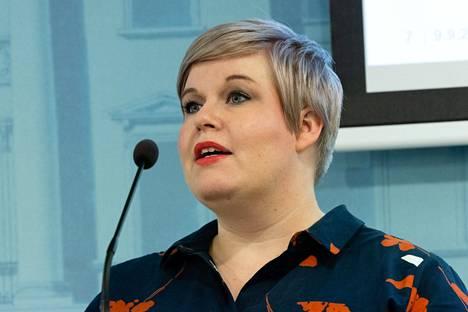 Valtiovarainministeri Annika Saarikko (kesk.) esitteli verotukseen kohdistuvia muutoksia hallituksen budjettiriihen tuloksia koskeneessa tiedotustilaisuudessa torstaina 9. syyskuuta.