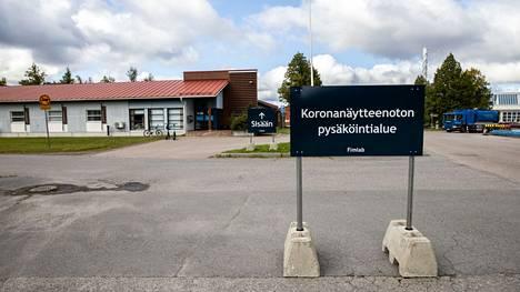 Tampereella on tällä viikolla auennut uusi koronanäytteenottopiste. Piste sijaitsee Viinikankadulla Nekalassa. Tältä pisteen edustalla näytti 3. syyskuuta.