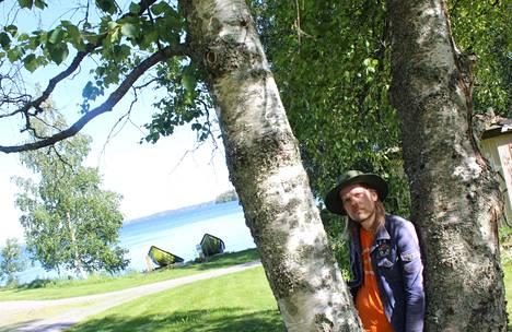 Jukka Nousiainen esiintynee Vammalan seudun taideyhdistyksen tapahtumassa ruokapuistossa Sastamalan pääkirjaston takana loppukesästä.