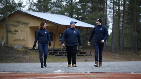 Merikarvialaiset Mira Salonen, Tuomas Lähteenmäki ja Sami Laine haluavat pitää kotiseudustaan huolta. Yksi keino siihen on ylläpitää Merikarvian Lukon urheilukenttää, jonka päivät olisivat muuten todennäköisesti luetut.