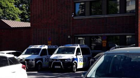 Poliisi tutki Porissa tuottoisia asuntomurtoja.