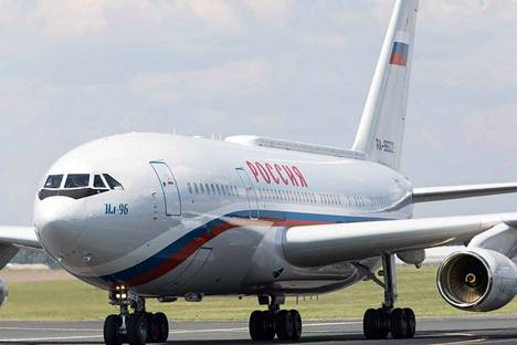 Vladimir Putin lentää yleensä valtiovierailuihin Iljushin IL-96 -koneella. Hän saapui Iljushin-koneella Suomeen viime vuonna, kun Putin tapasi Helsingissä Yhdysvaltain presidentti Donald Trumpin.