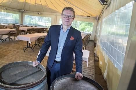 Maran toimitusjohtaja Timo Lappi vaatii matkailu- ja ravintolapalveluille nopeasti suoraa rahallista tukea – ja paljon.