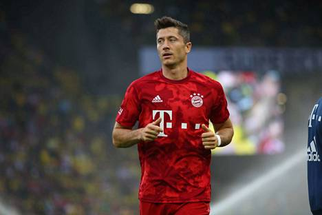Robert Lewandowski on kunnossa Bundesliigan jatkuessa, Münchenistä vakuutetaan.