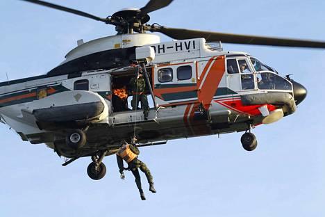 Nähdäänkö tänään Pyhäjärven yllä Super Puma pelastushelikopteri?