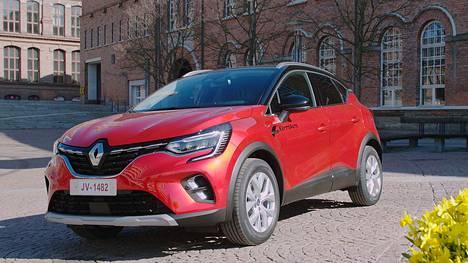 Renault Captur E-TECH Plug-in -lataushybridillä ajaa pelkällä sähköllä jopa 50 kilometriä.