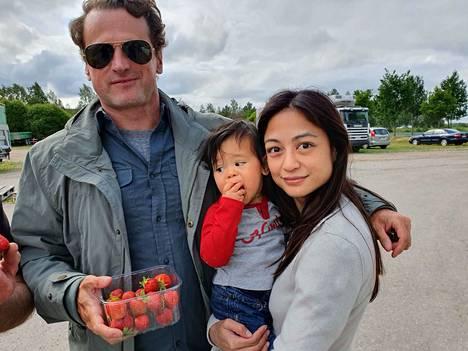 Näyttelijä David Moscow saapui Suomeen kuvaamaan isännöimäänsä ruoka-ohjelmaa. Mukana matkusti hänen perheensä.