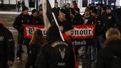 Helsingin Soldiers of Odinin Turvallinen Suomi takaisin -mielenosoituksessa oli mukana runsaasti uusnatseja.