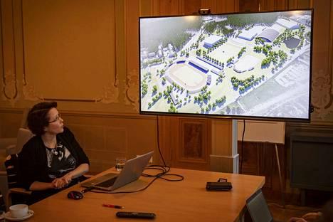 Vs. rakennuspäällikkö Sanna Välimäki  huomauttaa, ettei aluevaraussuunnitelmassa ollut tarkoituskaan ottaa kantaa eri hankkeiden rakentamisvuoteen tai -kustannuksiin.