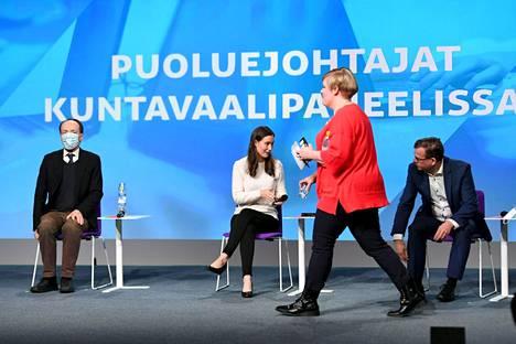 Perussuomalaisten puheenjohtaja Jussi Halla-aho, sdp:n puheenjohtaja Sanna Marin, keskustan puheenjohtaja Annika Saarikko ja kokoomuksen puheenjohtaja Petteri Orpo kuvattuna puoluejohtajien koulutuskeskustelussa Educa-tapahtumassa Helsingissä 30. tammikuuta 2021.