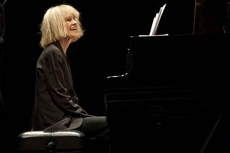 Legendaarinen, 1960-luvulta asti uraa luonut jazzmuusikko Carla Bley esiintyy Porissa lokakuussa.