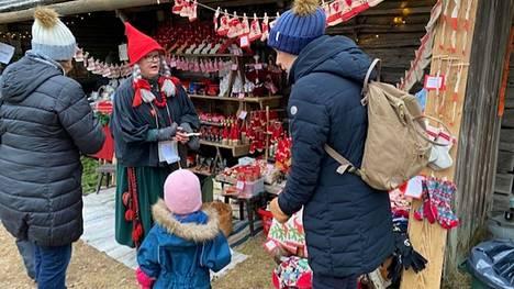 Tunnelmia Laurinmäen joulunavauksesta viime vuodelta.