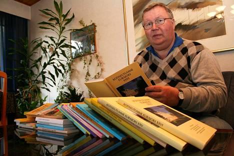 Vuonna 2009 Raimo Kukkamäki oli mukana Eurajoen kotiseutukirjan toimituskunnassa.