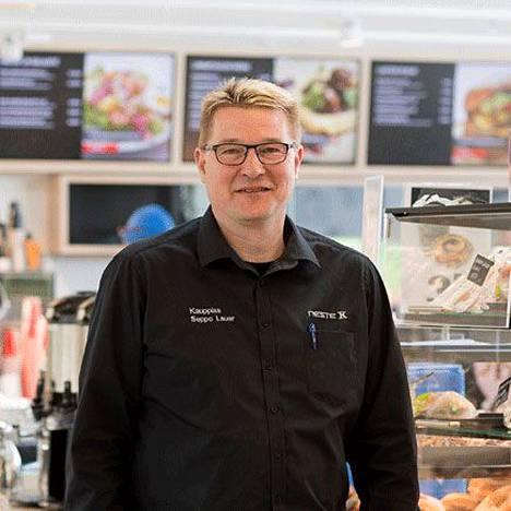 Kauppias Seppo Lauer kuuli voitosta tuoreeltaan Iltalehden kysyessä tunnelmia.