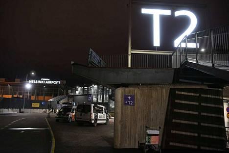 Poliisi ilmoitti etukäteen, ettei Helsinki-Vantaan lentoasemalla tule olemaan mitään palautuksiin liittyvää nähtävää.