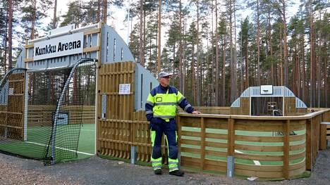 SF-Caravan Satakunta panostaa Kuninkaanlähteen karavaanarialueen jatkuvaan kehittämiseen. Alueen vetäjä Antti Salminen esittelee toissa vuonna valmistunutta Kunkku Areenaa.