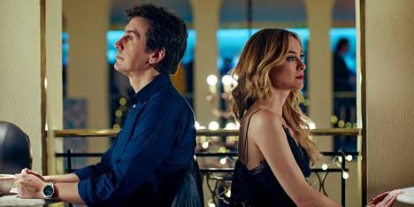 Javier (Javier Veiga) ja Marta (Marta Hazas) yrittävät kumpikin tahoillaan epätoivoisesti löytää sitä oikeaa, kun biologinen kello tikittää vaateliaasti. Sarjan suuri kysymys on, että törmäävätkö he ikinä toisiinsa?